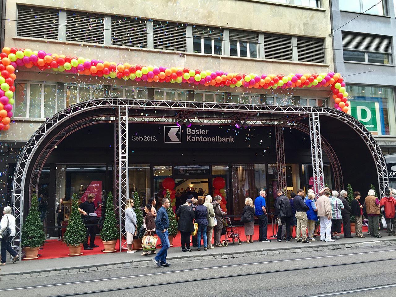 Events - Diverse Neueröffnungen Basler Kantonalbank